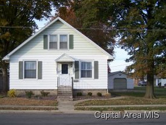 220 Rice St<br /> Carlinville, IL