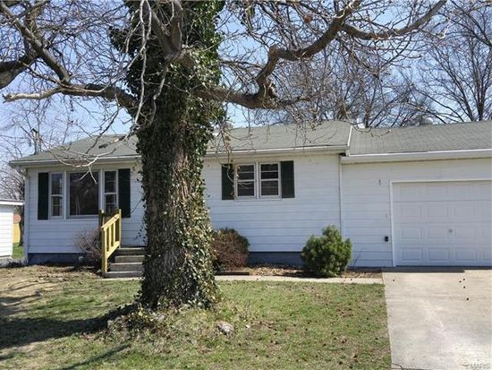899 Forest St<br /> Jerseyville, IL